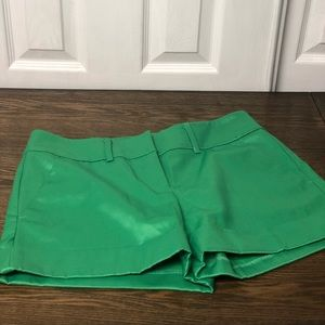 KELLY GREEN New York And Company size 4 shorts